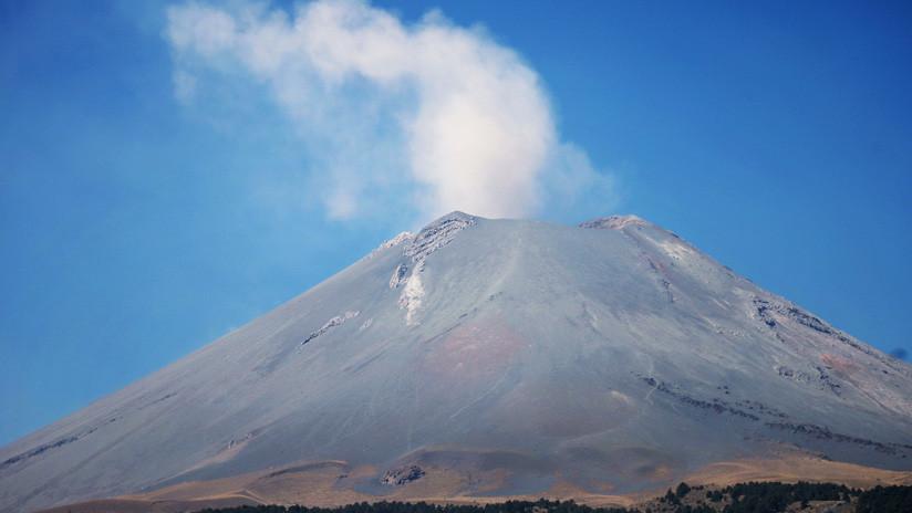 VIDEOS: El volcán mexicano de Popocatépetl registra dos nuevas explosiones