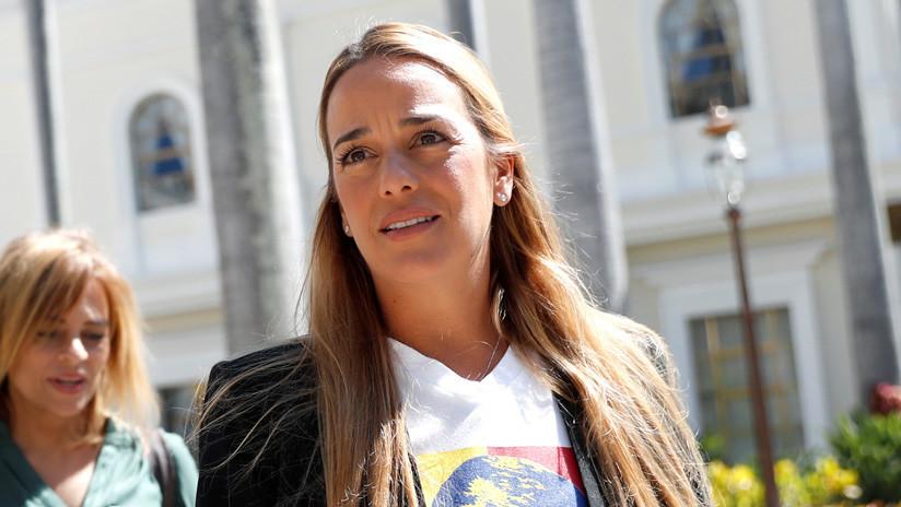Lilian Tintori, esposa de Leopoldo López, y su hija entran en España