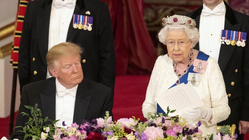 VIDEO: Captan a Trump 'durmiéndose' durante el discurso de bienvenida de la reina Isabel II