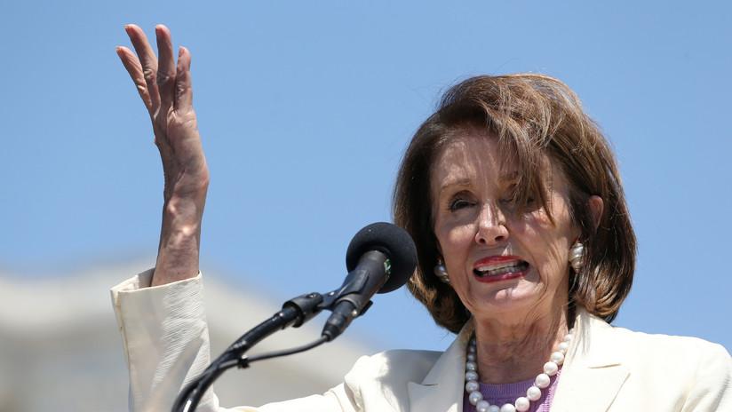 """Politico: Nancy Pelosi confiesa a los demócratas que quiere """"ver a Trump en prisión"""""""