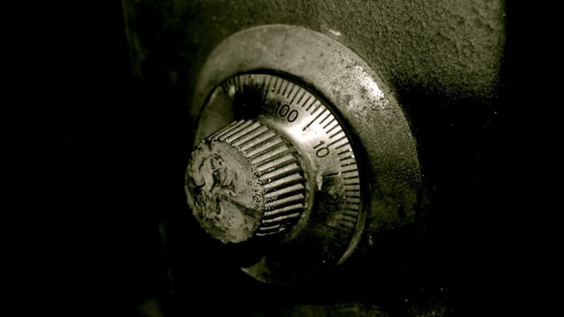 Un turista logró abrir una caja fuerte que estuvo 50 años cerrada