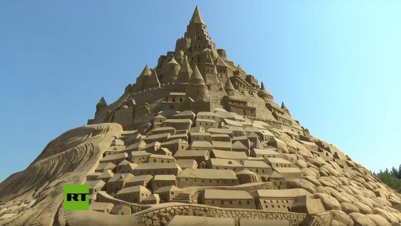 VIDEO: Un castillo de arena gigante consigue el récord Guinness en Alemania