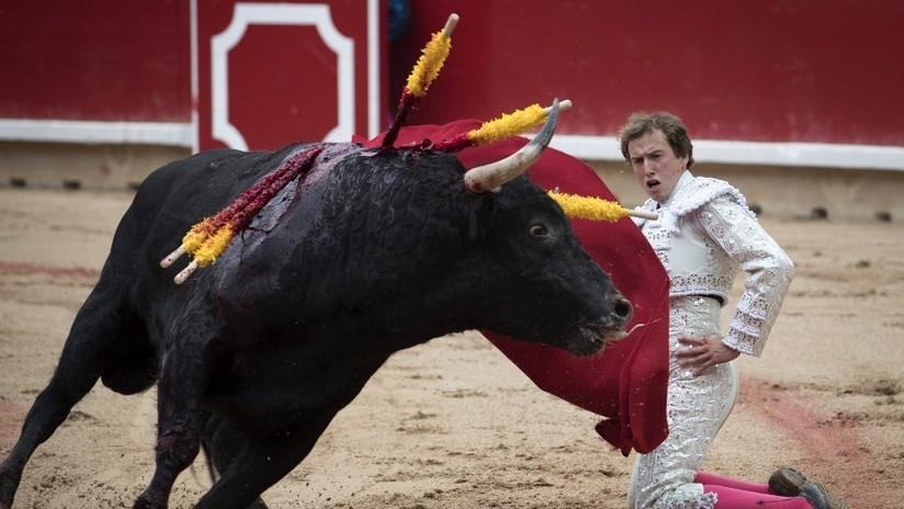 FOTOS: Torero español sufre una terrible cornada de 30 centímetros en la pierna