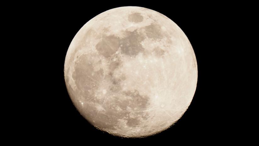 Hallan una anómala masa bajo el mayor cráter en la cara oculta de la Luna