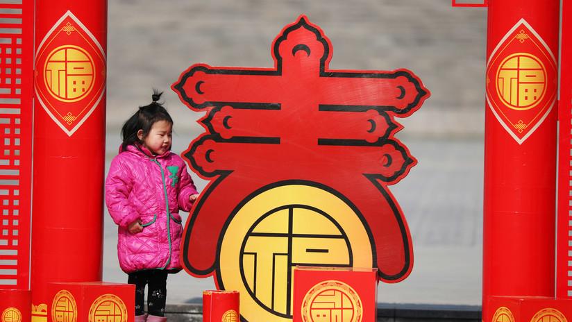 VIDEO: Una mujer secuestra a una niña de tres años en una zona turística de China