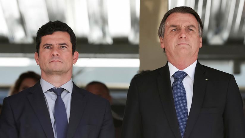 """Tras las polémicas filtraciones, Bolsonaro elogia a Moro: """"Lo que hizo no tiene precio"""""""
