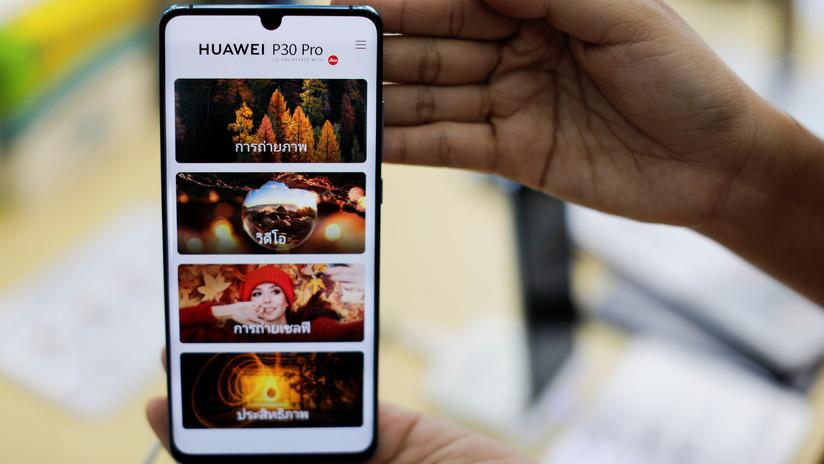 Usuarios de Huawei en todo el mundo manifiestan su enojo con cierta nueva función que 'contrajeron' sus celulares