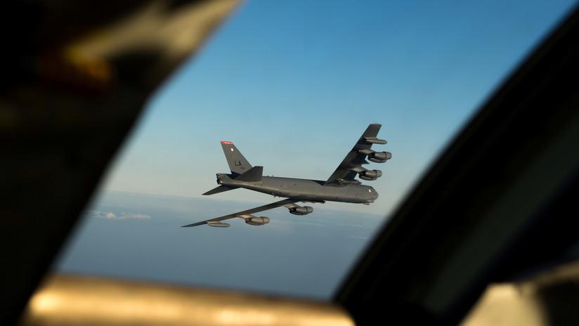 EE.UU.: Primer vuelo de prueba de un bombardero estratégico B-52 con un misil hipersónico