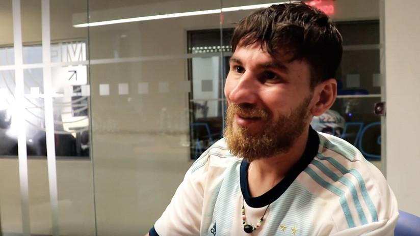 VIDEO: Un doble brasileño de Messi vende sus posesiones para ver a su ídolo en la Copa América