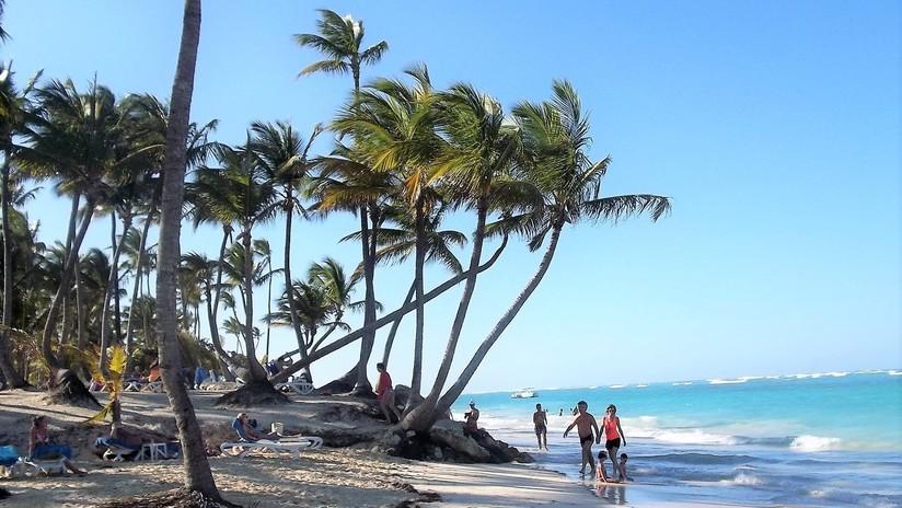 Un grupo de turistas de EE.UU. viaja a República Dominicana y varios se enferman misteriosamente