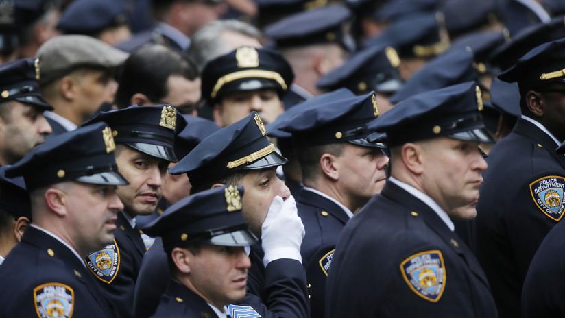 """La Policía de Nueva York declara una """"crisis de salud mental"""" tras el suicidio de tres agentes en diez días"""