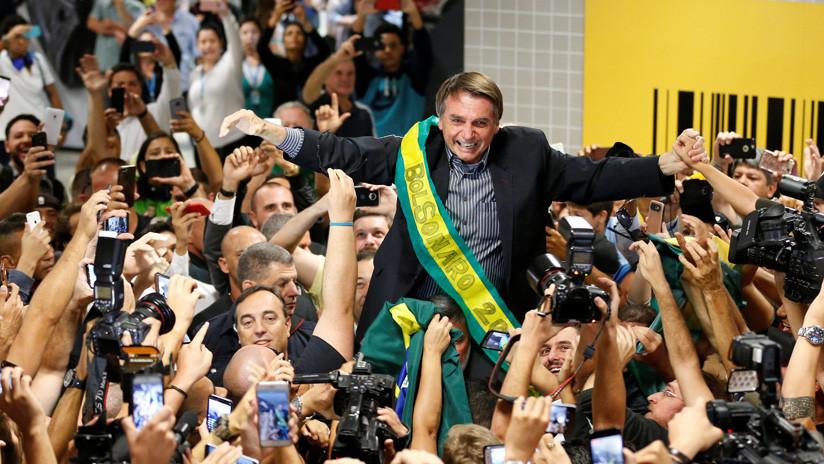 Compañías brasileñas contrataron a una agencia española para mandar mensajes masivos a favor de Bolsonaro
