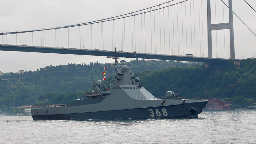 España recarga un buque ruso pese a presiones de la OTAN y condena la presencia militar británica en Gibraltar