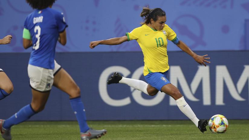 La brasileña Marta supera a Miroslav Klose y se convierte en la máxima goleadora en la historia de los mundiales