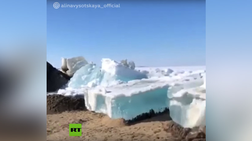 VIDEO: Un 'monstruoso' tsunami de hielo marca la llegada del verano en el extremo norte de Rusia