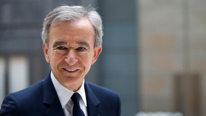 El hombre más rico de Francia se convierte en la tercera persona del mundo que posee más de 100.000 millones de dólares