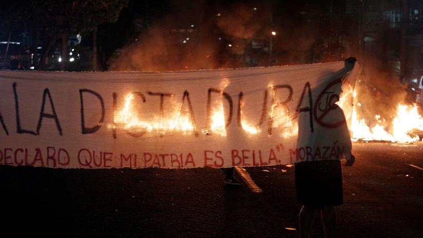 """""""No vamos a reprimir más al pueblo"""": agitadas protestas antigubernamentales en Honduras mientras los policías entran en paro"""