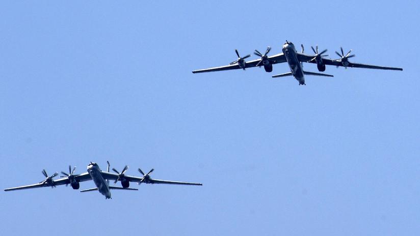 Cazas japoneses escoltan dos bombarderos rusos Tu–95 MS en el Pacífico