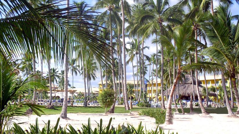 El FBI investiga muestras de al menos un minibar de un hotel dominicano en relación con las muertes de turistas de EE.UU.