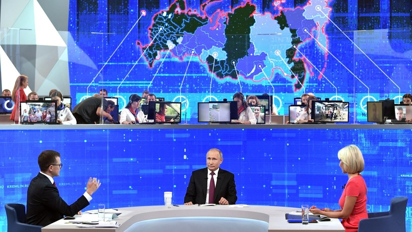 """""""Tengo pruebas y testigos"""": Putin responde con ironía al ser preguntado si es alienígena (VIDEO)"""