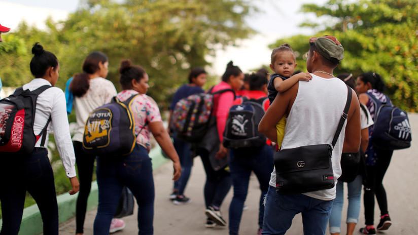 """Trump: """"Mi aprobación por los hispanos subió un 17 % porque soy severo con los migrantes"""""""