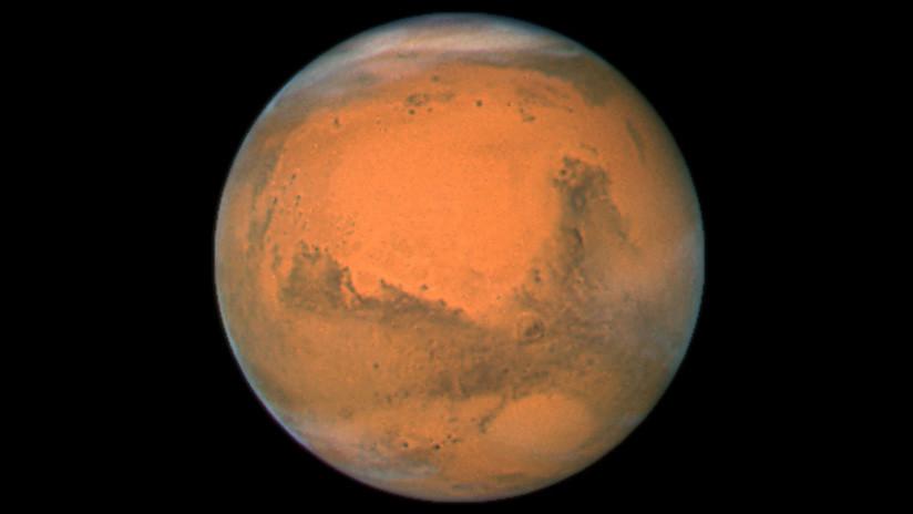 FOTO: El Curiosity capta un misterioso destello blanco en Marte