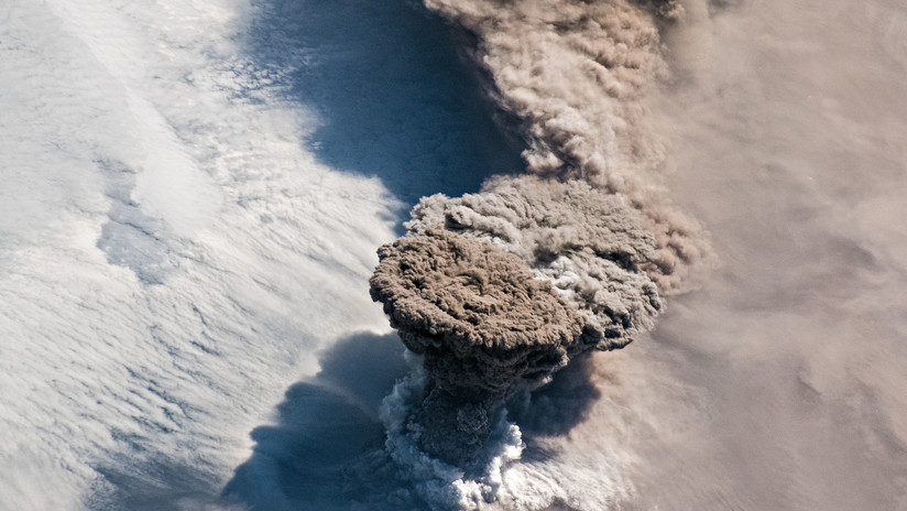 Rusia: La erupción del volcán en las Kuriles destruyó toda forma de vida en una isla