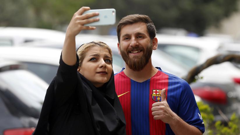 """La odisea del 'Messi iraní' por culpa de las """"noticias falsas"""" que lo acusan de tener relaciones sexuales con 23 mujeres"""