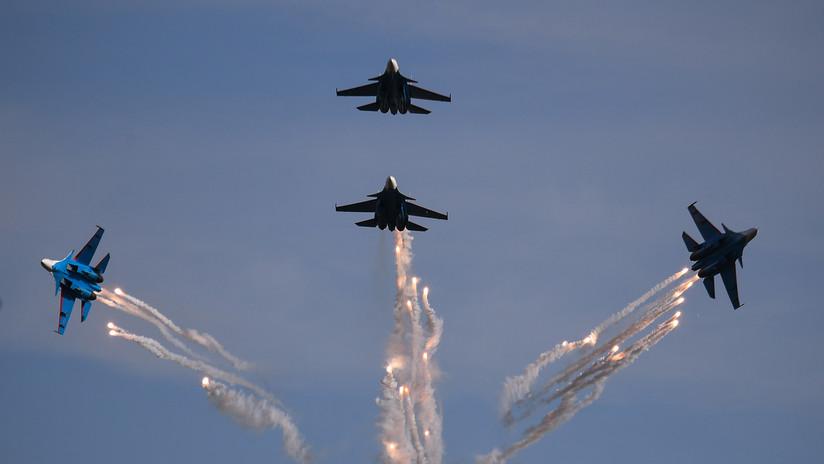 VIDEO: Aviones militares rusos exhiben acrobacias aéreas durante el foro Army 2019