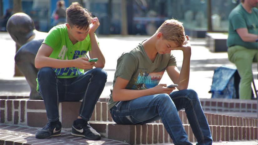Así podrían evolucionar los humanos por uso excesivo de smartphones