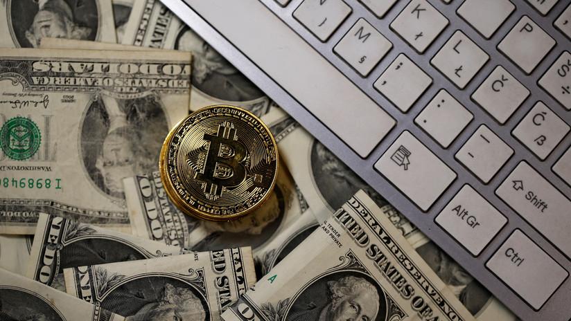 Otro frenesí en el mercado de las criptomonedas: el bitcóin supera los 13.000 dólares