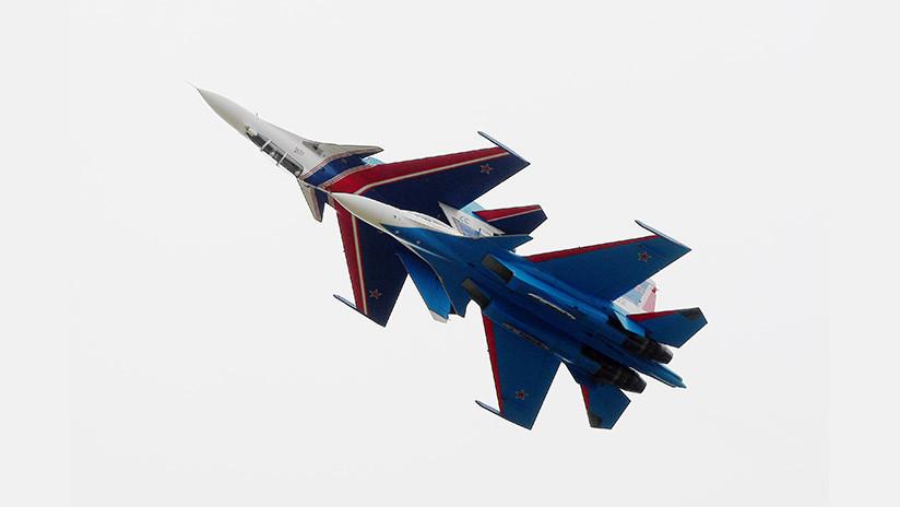 Rollos, bucles y 'tailslide': Los ases rusos de la acrobacia aérea deslumbran en Moscú (VIDEO)