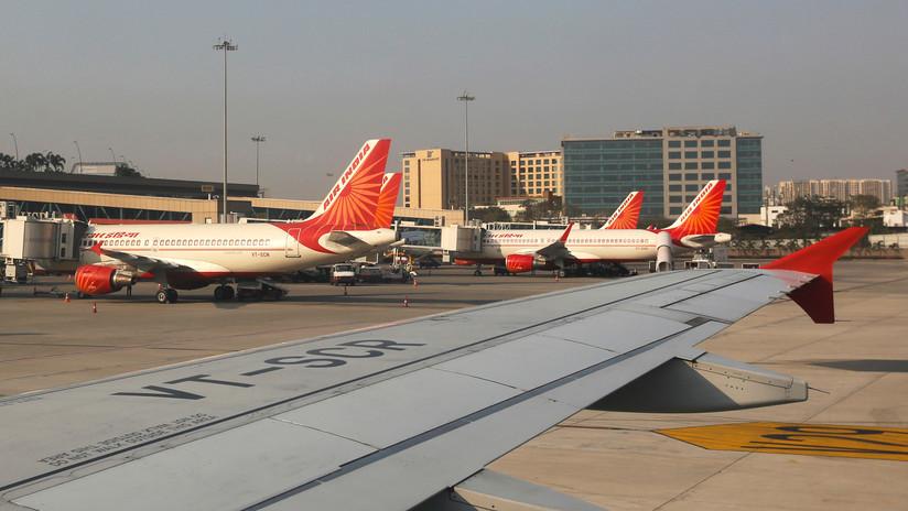 """Dos cazas escoltan un avión de pasajeros de Air India por una """"amenaza de bomba"""" a bordo"""