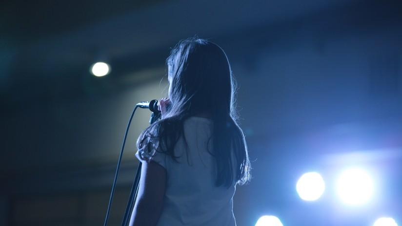 VIDEO: Una niña de 10 años cautiva al jurado de 'America's Got Talent' y se lleva una ovación de pie
