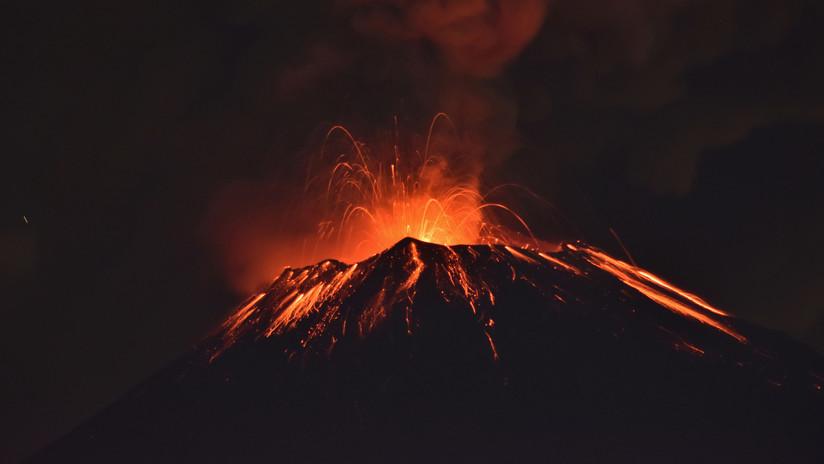 El Volcán Popocatépetl registra una explosión y arroja material incandescente (VIDEO, FOTOS)