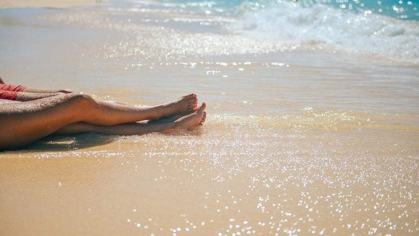 Una bacteria carnívora se cobra la vida de una mujer que disfrutaba de un día de playa en EE.UU.