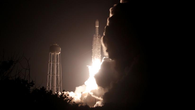SpaceX pierde contacto con tres de sus 60 satélites Starlink en órbita terrestre