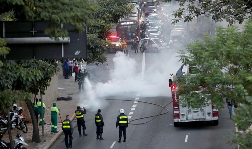 5 personas atropelladas en el primer paro a Bolsonaro — Brasil