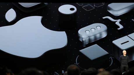 El director ejecutivo de Apple, Tim Cook, durante la Conferencia Mundial de Desarrolladores 2018.