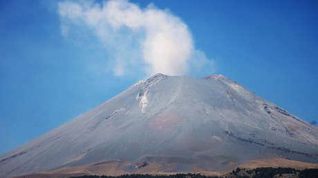 Vista general del volcán Popocatépetl, visto desde Santiago Xalitzintla, en Puebla, en una imagen de marzo de  2019.