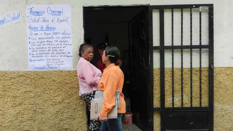 """Farmacia """"Salud para el barrio"""" de la 'Comuna Altos de Lídice', en Caracas."""