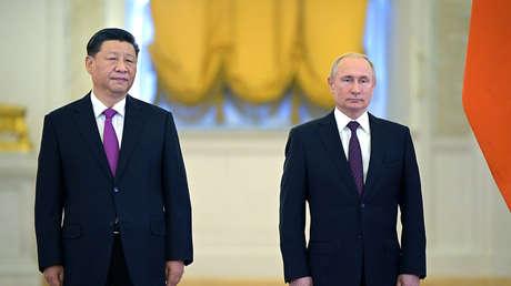 Xi Jinping y Vladímir Putin después de las conversaciones en Moscú, el 5 de junio de 2019.