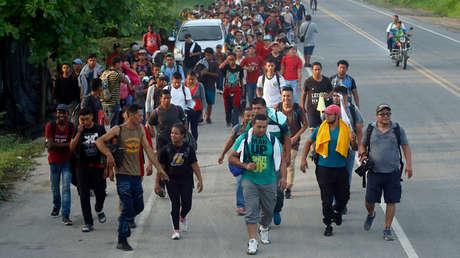 Cientos de migrantes centroamericanos cerca de Ciudad Hidalgo, México, 5 de junio de 2019.