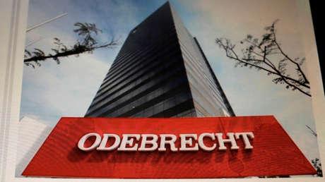 Logo de Odebrecht SA en una pantalla electrónica en su sede en Sao Paulo, Brasil.