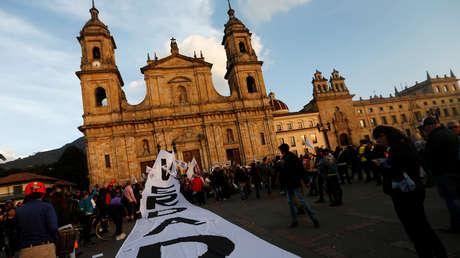 Una manta en favor de la Jurisdicción Especial para la Paz (JEP), en Bogotá, el 13 de marzo de 2019.