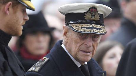 El príncipe Enrique y su abuelo, el príncipe Felipe.