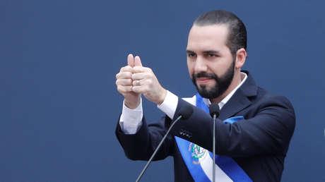 El presidente Nayib Bukele durante la ceremonia de juramento como presidente en San Salvador, 1 de junio de 2019.