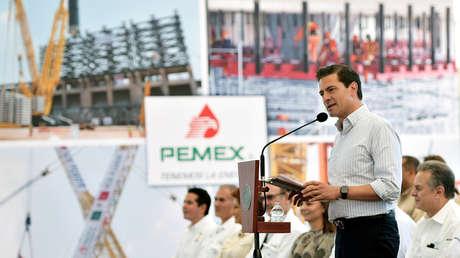 Enrique Peña Nieto, pronuncia un discurso en la refinería Tula de Allende, México, el 3 de noviembre de 2017.