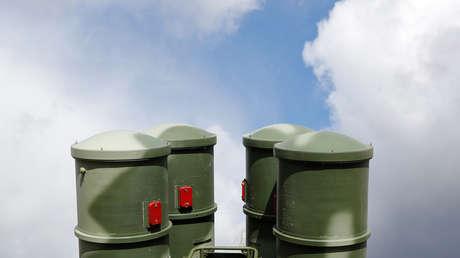 Sistemas de defensa S-400 desplegados cerca de Kaliningrado, Rusia.