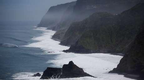 La costa norte de la isla portuguesa de Madeira.